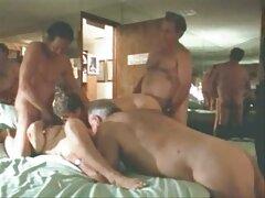 Dopo il bagno turco nella sauna, siamo andati a fare sesso nella stanza video porno penetrazione anale