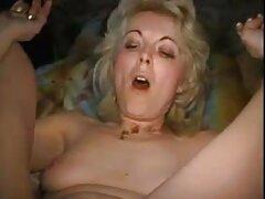 Corsa sul pollo con una filmati sesso anale coda nell'ano