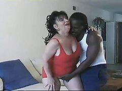 Prima di andare a letto, ha film porno gratis anali piantato una giovane moglie nel divario dietro