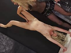 Una figa con un film porno sesso anale clitoride grande bionda bikin doccia