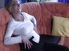 Hooker mescolare il culo e succhiare le uova video gratis di sesso anale amante