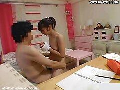 Moglie in sesso anale video porno pantaloncini corti dà un pompino