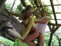 Andare in video porno sesso anale spiaggia, ragazza che fa ginnastica nelle lenzuola.