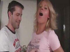Una puttana succhiare sul sedile posteriore e riempire la sesso anale film gratis bocca con sperma