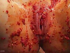 Cagna procace in calze sesso anale video porno in posa sul divano