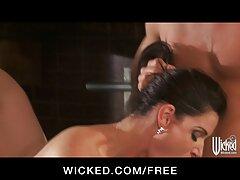 Scopata e sesso anale video gratis sborrata sul culo grosso moglie
