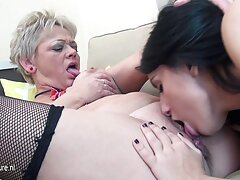 Burning brunetta godendo orale video hard sesso anale sesso