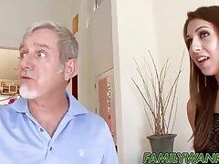 Attraente video porno gratis sesso anale bionda in culo stretto