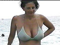 Ragazza nuda video porno sesso anale con splendidi seni facendo esercizio