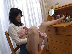 Distratto dal portatile con un bacio e cazzo con la cagna nel buco dietro video porno di sesso anale il