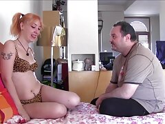 Ragazza video porno di sesso anale leccare in modo che l'uomo si svegliò